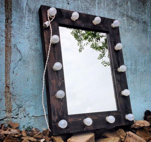 Зеркало 700х1000мм обожженное с лампочками